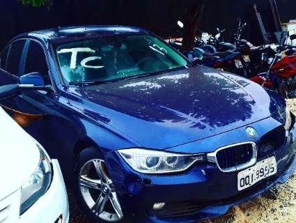 Por metade do preço de mercado, BMW ainda está disponível em leilão