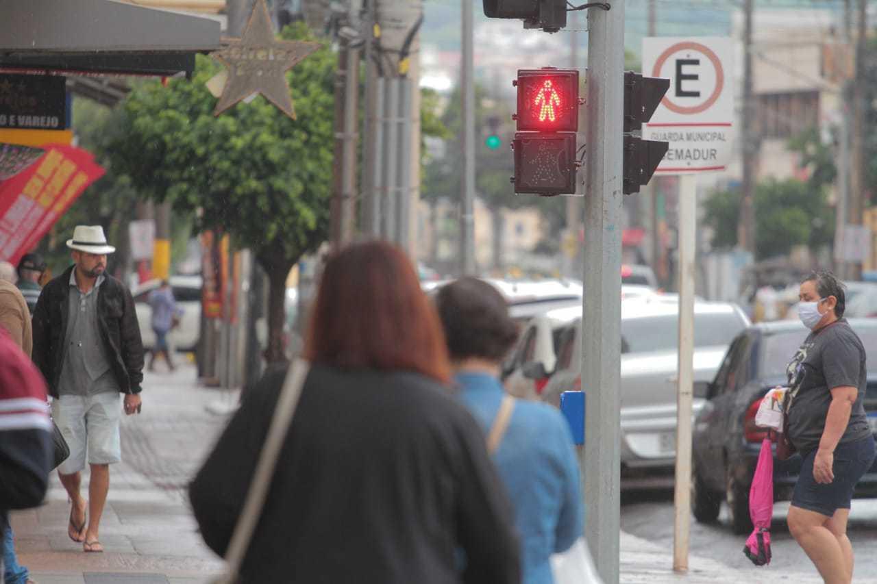 Contrariando decreto estadual, comércio no Centro de Campo Grande pode funcionar normalmente (Foto: Marcos Maluf/Arquivo)