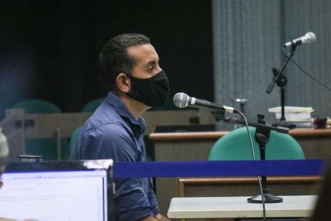 Apesar de vítima pedir absolvição, homem é condenado por queimar esposa e filha
