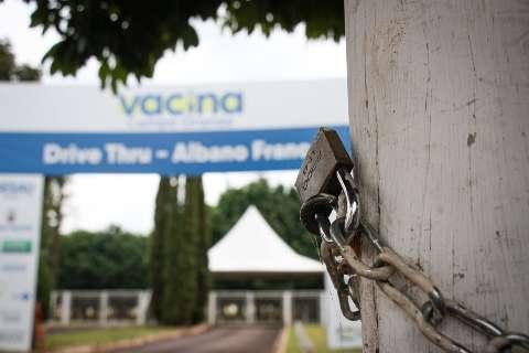 Vacina acaba em 64 municípios e só 15 ainda têm doses
