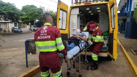 Atraído para falso frete, caminhoneiro é ferido a tiro por assaltantes