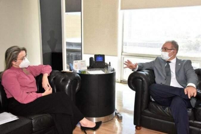 Rosana de Melo em reunião como ministro Marcelo Queiroga, em julho (Foto /Arquivo: Ministério da Saúde)