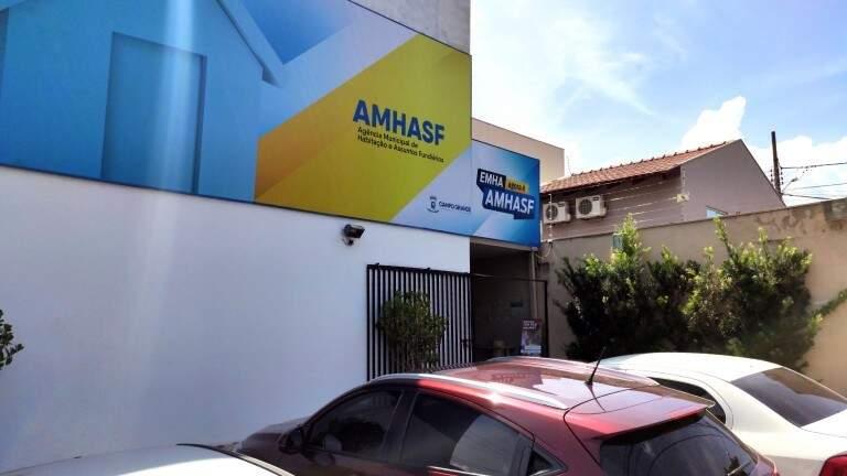 Inscrições também podem ser feitas na sede da Agência Municipal de Habitação e Assuntos Fundiários. (Foto: Divulgação)