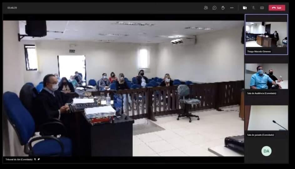 Julgamento foi transmitido pelo Youtube e aconteceu nesta manhã em Anastácio (Foto: Reprodução)