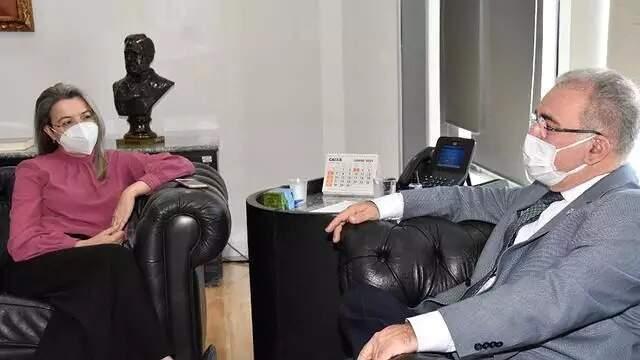 Rosana Leite agora é secretária do Ministério da Saúde. Imagem é de reunião em julho deste ano, com o ministro Marcelo Queiroga. (Foto: Divulgação/Ministério da Saúde)