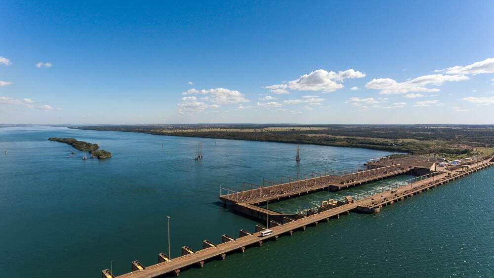 Usina Ilha Solteira, em Selvíria, tem reservatório com 1.195 km² de extensão. (Foto: CTG Brasil)