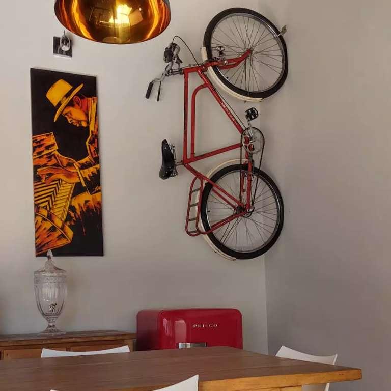Queridinha da decoração, bicicleta barra forte vira febre pelas memórias