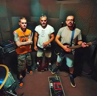 Após 10 anos, banda não desiste e prova que cidade tem rock para viver