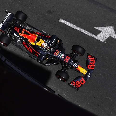 Verstappen faz o melhor tempo e larga na frente pela segunda vez na temporada