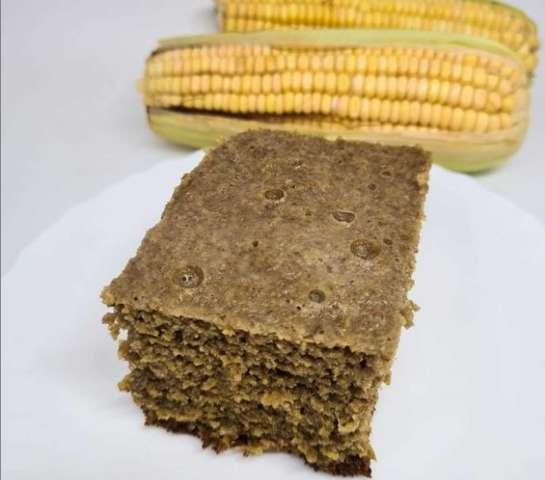 Bolo de milho integral é dica para não perder clima junino na dieta