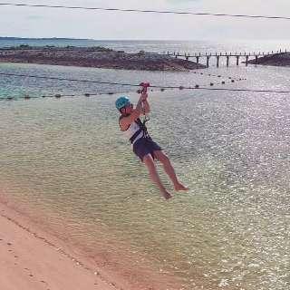 Após 18 anos, campo-grandense viaja pelas águas cristalinas de Okinawa