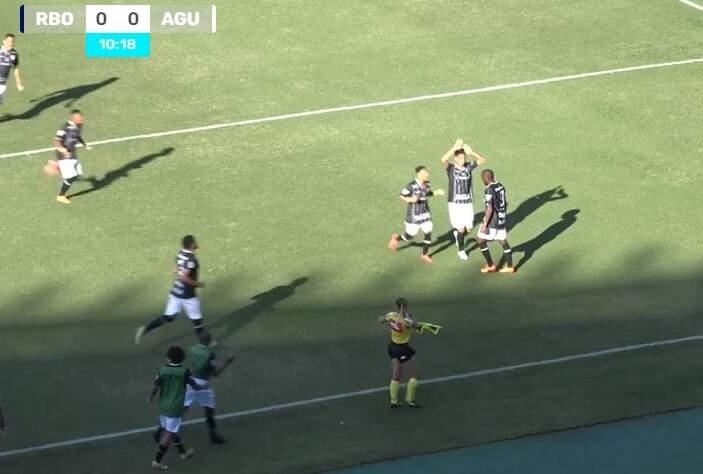 Jogadores do Rio Branco comemoram gol sobre o Águia (Foto: Eleven Sports/Reprodução)