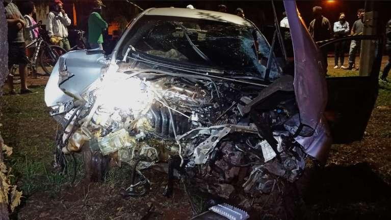 Carro envolvido em acidente que matou entregador é incendiado durante madrugada