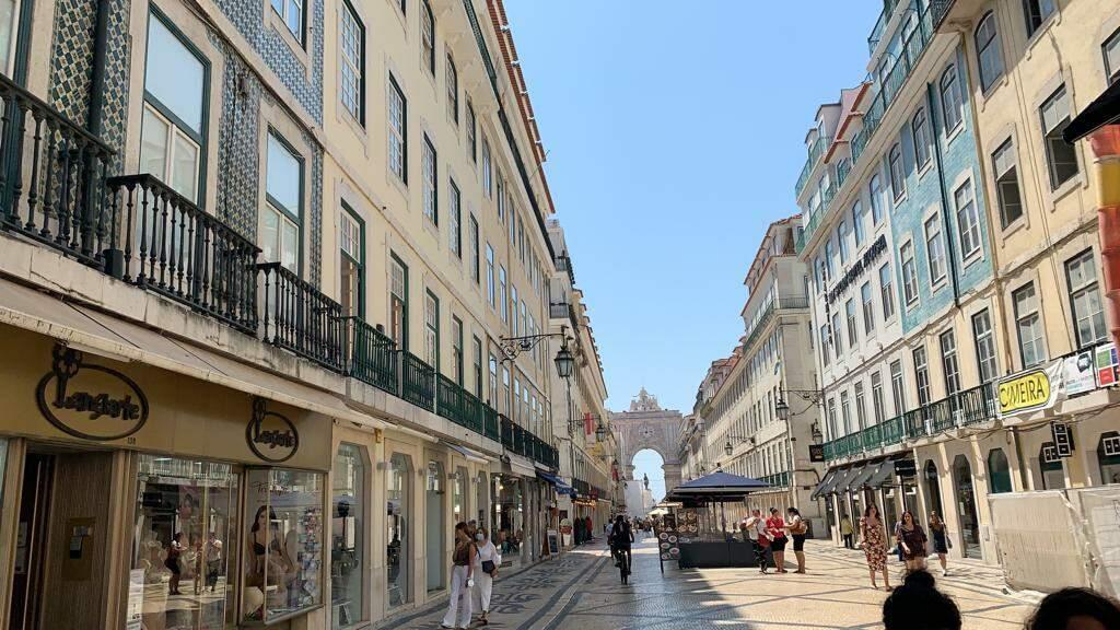 Até a famosa Rua Augusta, ladeada de lojas, muitas delas de marcas internacionais, está sofrendo com a falta de turistas (Foto: Arquivo pessoal)
