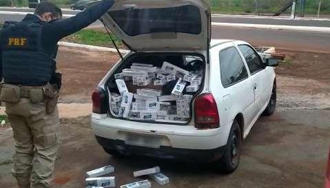 "Contrabandista é preso com porta-malas ""recheado"" de cigarros do Paraguai"