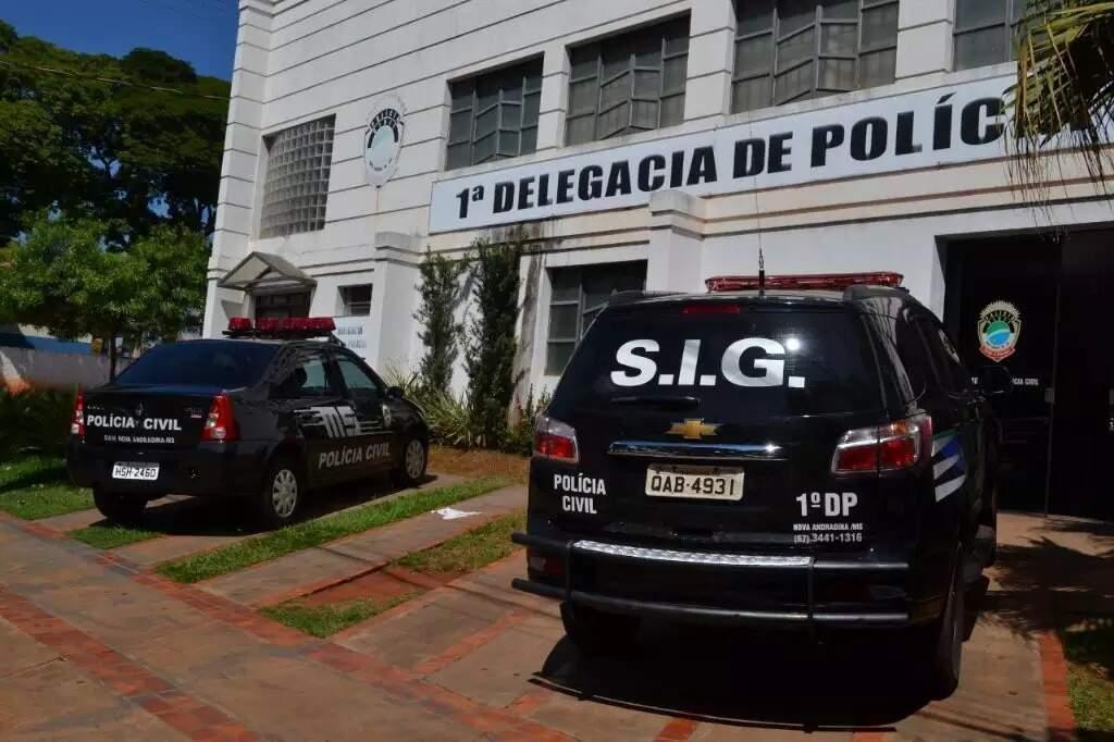 Homem foi preso na 1ª Delegacia de Polícia Civil de Nova Andradina (Foto: Jornal da Nova)