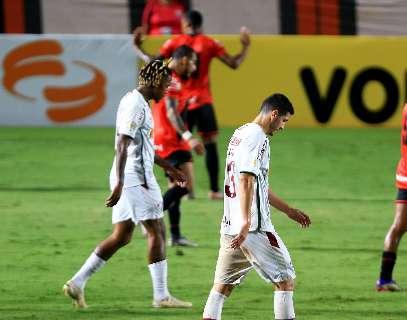 Atlético-GO joga bem, supera Fluminense e encosta no G-4 do Brasileirão