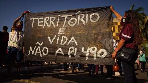 Índios acampam em Brasília contra marco temporal que impacta 194 terras em MS