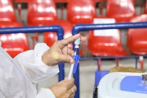 Vacinação contra covid continua com aplicação da segunda dose