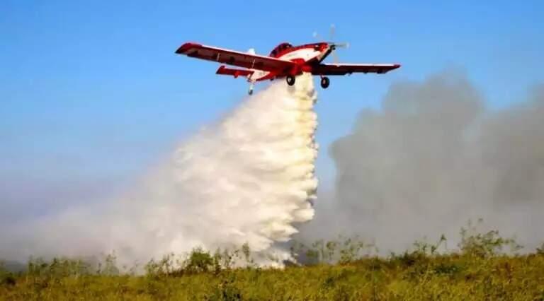 Avião usado pelo Governo do Estado para auxiliar no combate aos incêndios florestais no ano passado (Foto: Arquivo)