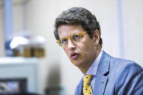 Salles pede demissão a Bolsonaro e sai do Ministério do Meio Ambiente