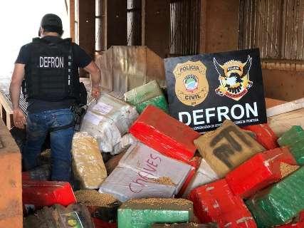 Maconha encontrada sob carga de soja a granel pesou 3,3 toneladas