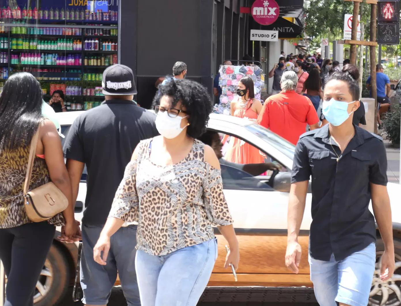 Uso de máscaras é regra há um ano nas ruas de Mato Grosso do Sul. (Foto: Kisie Ainoã/Arquivo)