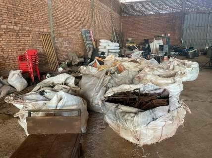 Ladrões são presos com quase 7 toneladas de trilhos furtados