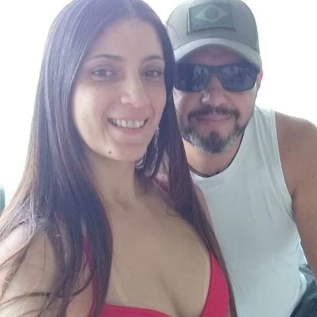 Leonardo e sua moglie Fernanda.  (Foto: social network)