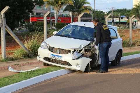 Rafael dirigia a 95 km/h com namorada em cima do capô quando causou acidente