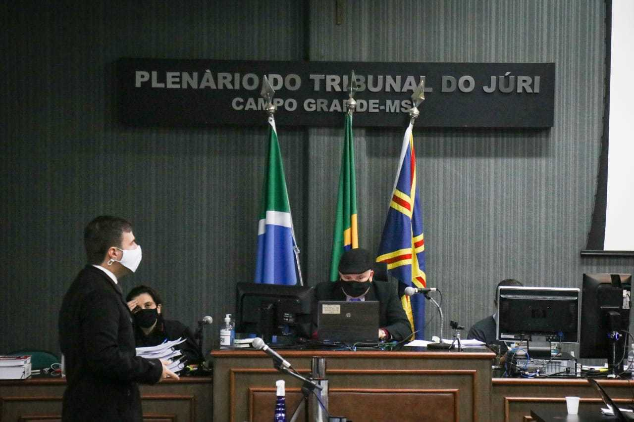 Julgamento foi retomado na manhã desta quinta-feira em Campo Grande (Foto: Henrique Kawaminami)