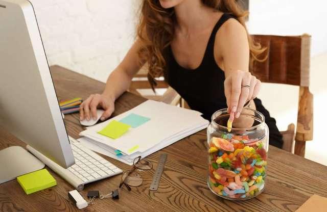 Estresse no isolamento também fez pessoas descontarem nos doces