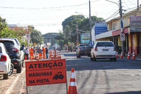 Início da Rui Barbosa, Rua Montese, segue parcialmente interditada nesta terça
