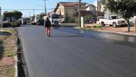 Prefeitura vai recapear mais 17 quilômetros de asfalto em 16 ruas
