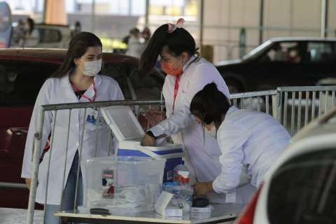 Sesau abre repescagem de 1ª dose contra covid hoje para professores da Reme
