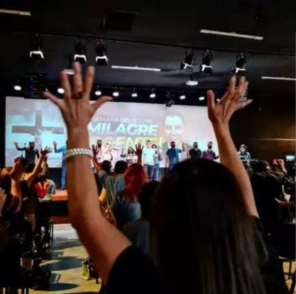 Em um só dia, igreja evangélica arrecada R$ 13 mil com fiéis