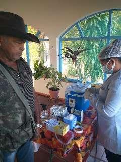 Cerca de metade das vacinas enviadas à fronteira já foram aplicadas