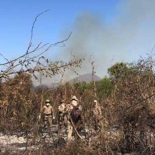 Com avanço da seca, combate ao fogo volta a Corumbá e na divisa com Goiás