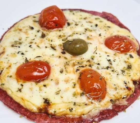 Beterraba na massa é dica para celebrar mês da pizza em versão leve