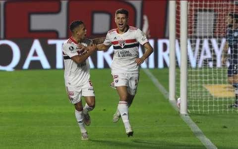 São Paulo sai na frente, mas Racing alcança empate de 1 a 1 no Morumbi