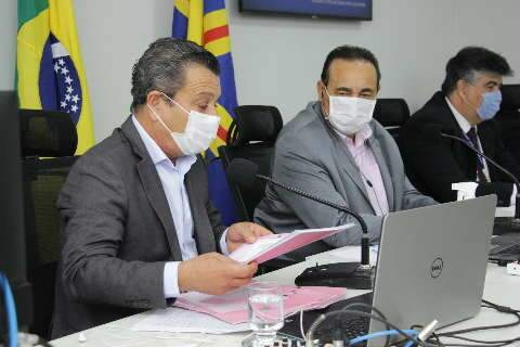 Câmara antecipa eleição de mesa em 1 ano e meio e deve reeleger Carlão