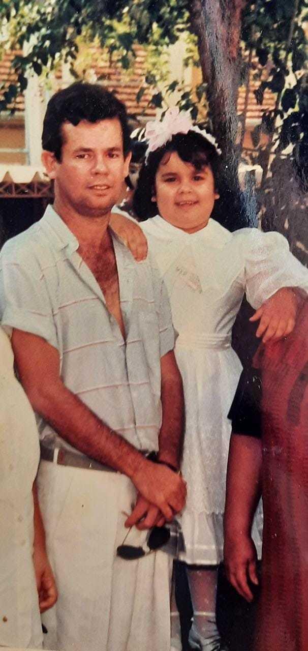 Outro raro registro de Inaiá com o pai, enquanto ele estava ainda em vida. (Foto: Arquivo Pessoal)