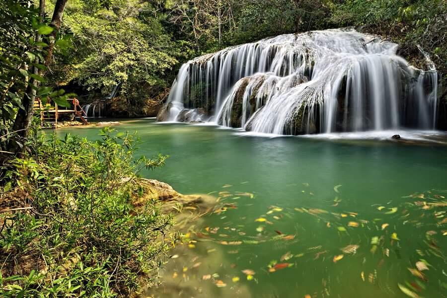 Em Bonito, a Estância Mimosa é lugar de belas cachoeiras e trilhas (Foto: Márcio Cabral/Divulgação)