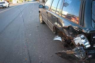 A roda traseira do Jeep foi arrancada no acidente (Foto: Henrique Kawaminami)