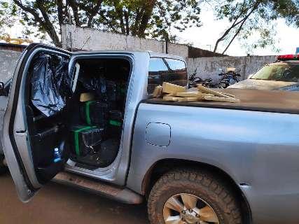 Caminhonetes abandonadas em fuga levavam 2.600 quilos de maconha