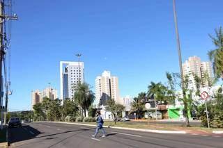 Apesar do frio, os dias tem sido de sol em Campo Grande, como nesta terça-feira. (Foto: Paulo Francis)