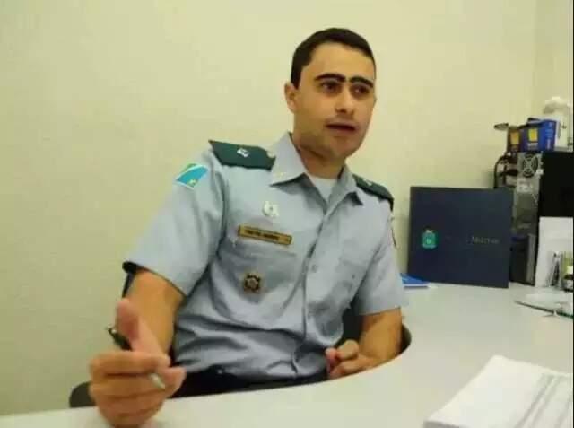 Felipe Joseph, em entrevista quando ainda era tenente e comandava a Companhia de Trânsito (Foto: Campo Grande News/Arquivo)