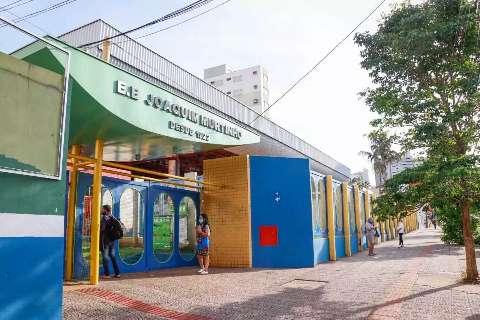 Contra aglomeração, maiores escolas estaduais antecipam entrada e saída