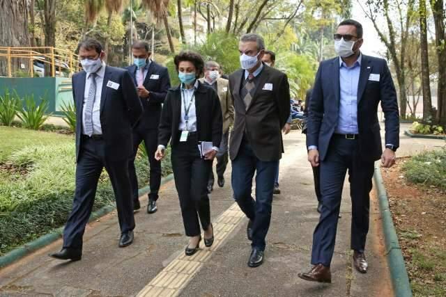 Presidente da Assembleia de MS visita Butantan e pede vacinas a Doria