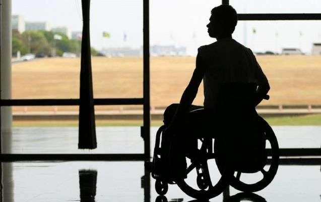 Empresa de limpeza pode pagar 1 milhão se não contratar pessoas com deficiência